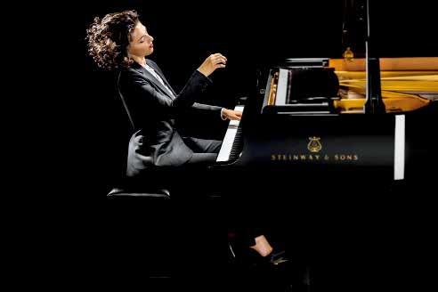卡蒂雅·布妮娅什维利(钢琴).jpg